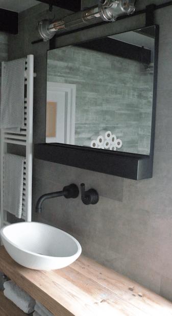 Mat zwarte spiegel dees for Zwarte spiegel