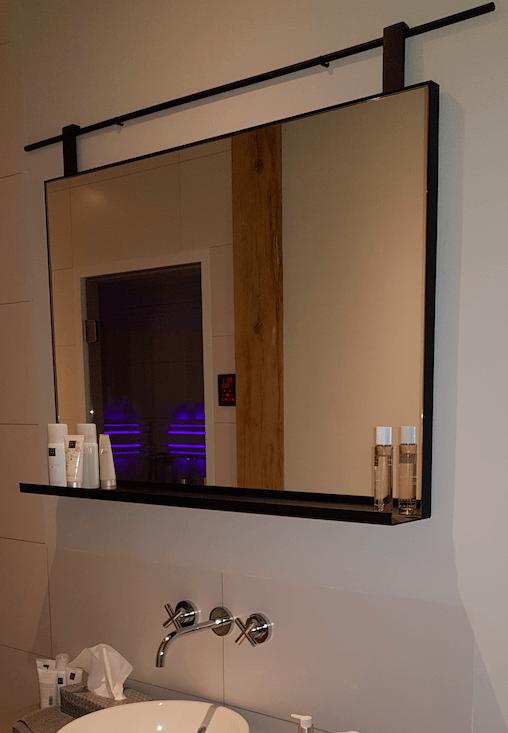Stalen spiegel met plankje Deurne