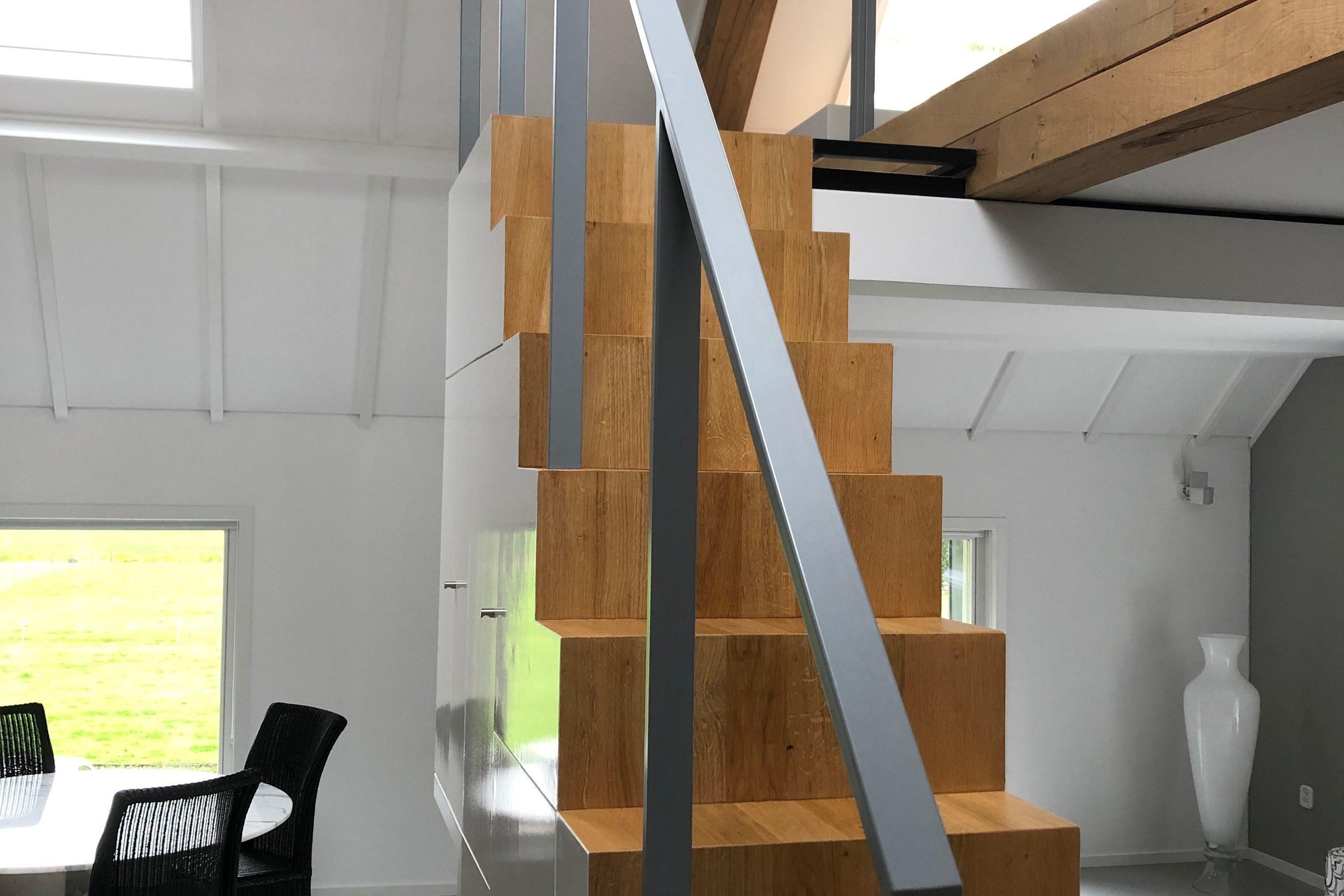 Stalen traphek op maat