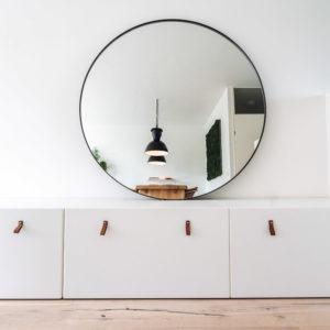 Ronde spiegel met stalen lijst