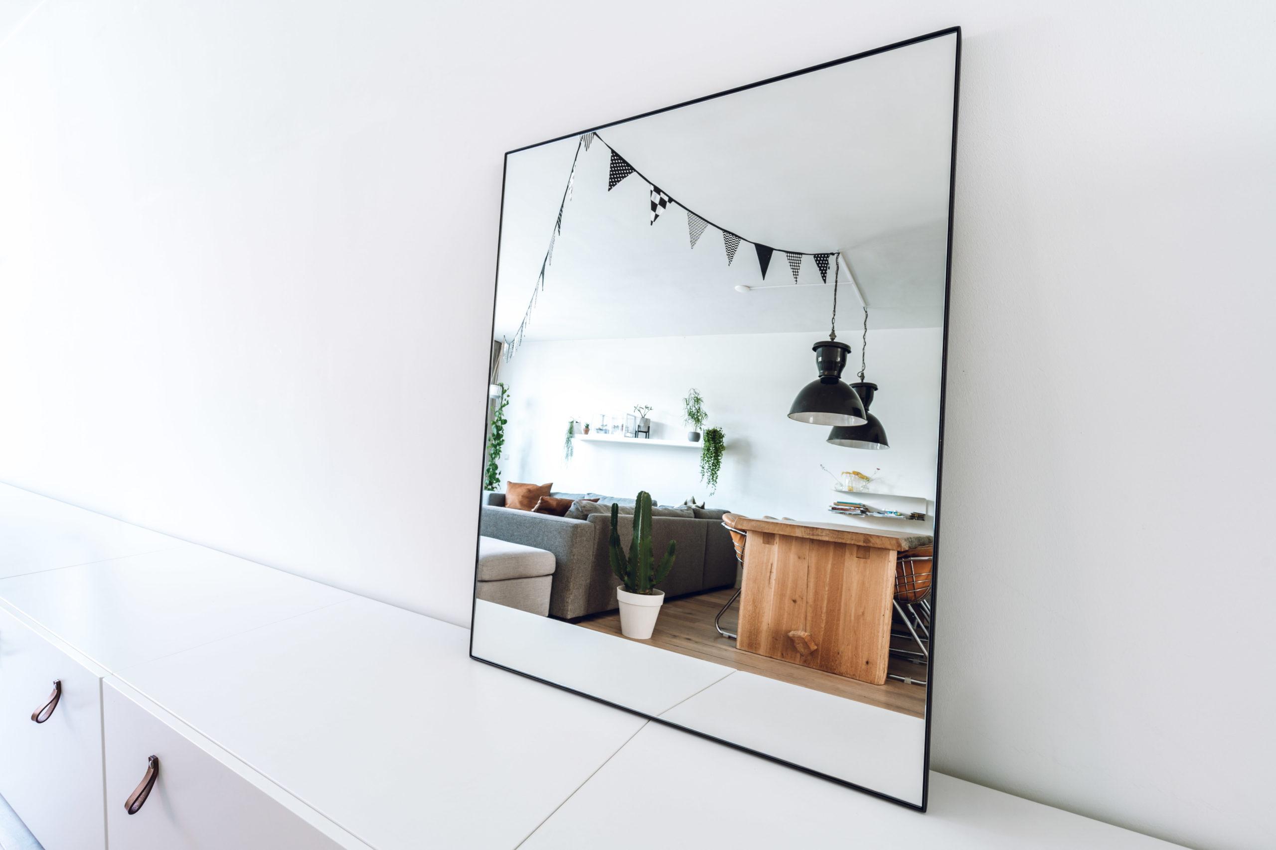 Spiegel met stalen lijst 90x70 of 70x90 matzwart gepoedercoat